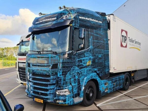 More leaked photos show new DAF truck in action