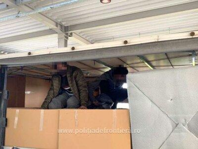 Mai multe persoane de origine străină transportate ilegal în camioane au fost identificate la PTF Nădlac