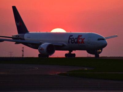Krovinių gabenimas oro transportu kovą pasiekė rekordines apimtis