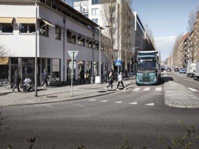 Ilyen hangja lesz az új elektromos Volvo teherautónak (videó)
