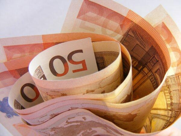 Kary do 30 tys. euro za zaleganie z płatnościami za przewozy. Nowe prawo wyłącznie dla branży transp