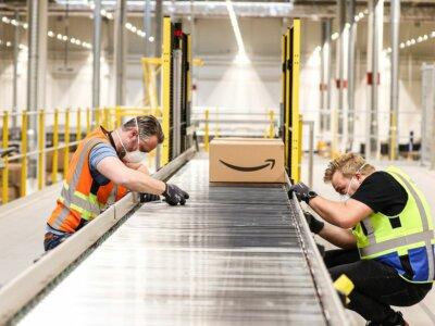 """Rekordinis """"Amazon"""" pelnas. Įmonės vertė pakilo iki 1,74 trln. JAV dolerių"""