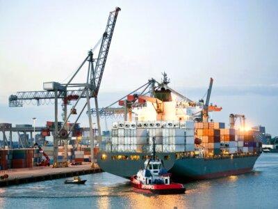 Рост спроса перегружает глобальные цепи поставок. Транспортные пробки и повышение цен приближаются к самым высоким уровням