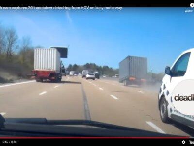 Elszabadult konténer az autópályán (videó)