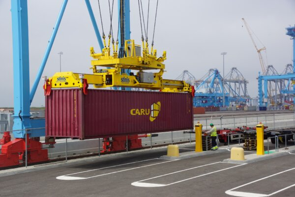 Rates for Chinese containers break another record. Five times more expensive than a year ago