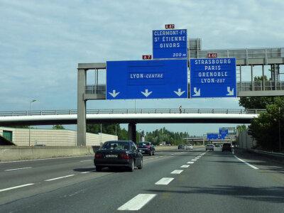Новый декрет относительно запретов на движение грузовиков во Франции. Проверьте, что изменилось