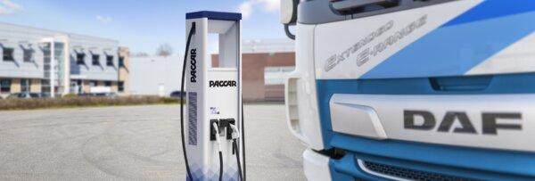 A DAF elektromos töltőberendezéseket árul, hogy fellendítse az elektromos teherautók iránti kereslet