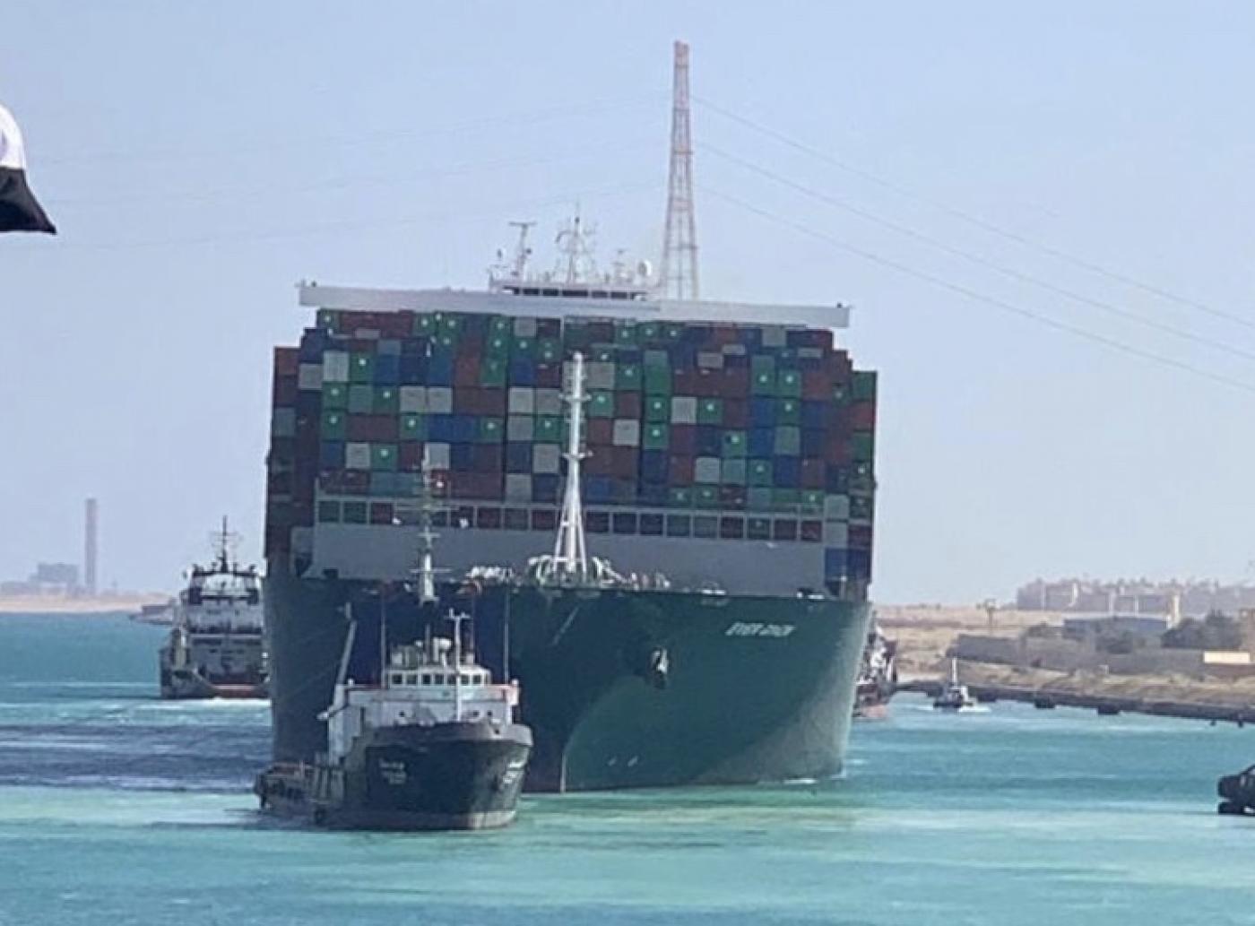 Egiptul a început lucrările la lărgirea Canalul Suez