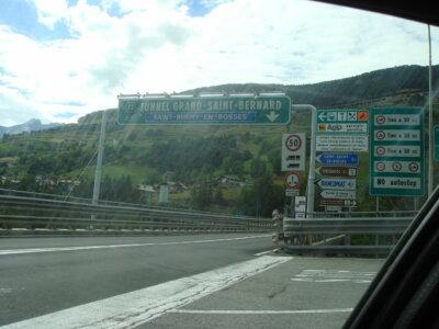 350 eurós útdíj Franciaországban, 167 euró a svájci alagúton áthajtani. Ezek Európa legdrágább útjai teherautóknak