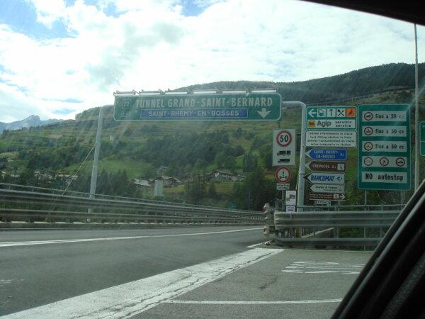 350 eurós útdíj Franciaországban, 167 euró a svájci alagúton áthajtani. Ezek Európa legdrágább útjai