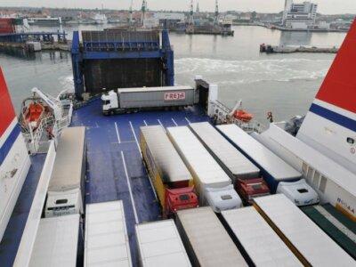 Doi operatori importanți de feribot au semnat un acord care vizează îmbunătățirea ofertei pentru transportatori pe ruta Calais – Dover