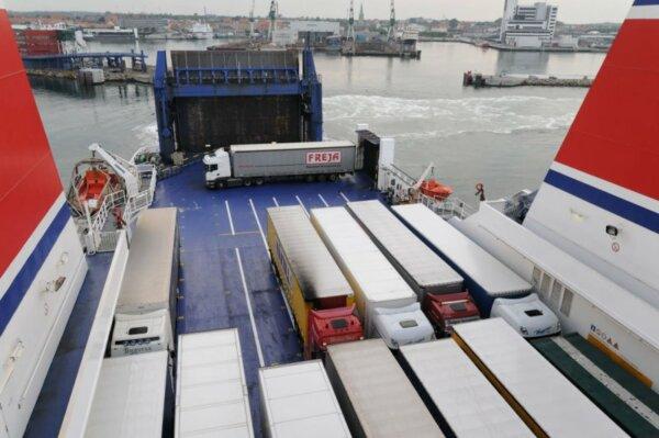 Doi operatori importanți de feribot au semnat un acord care vizează îmbunătățirea ofertei pentru tra