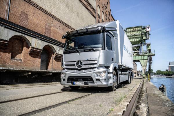 Premiera eActrosa za nami. 400 km na jednym ładowaniu i wsparcie dla przewoźników