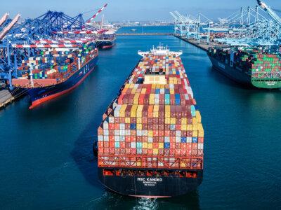 Цены на контейнеры из Китая побили очередной рекорд. Они в пять раз дороже, чем год назад