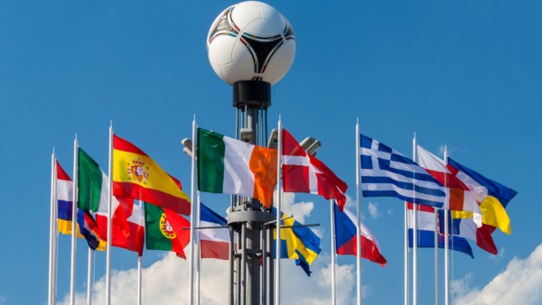 Compania care gestionează transporturile pentru cupa UEFA EURO 2020 va livra zeci de mii de echipame