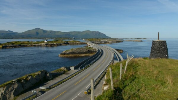 Norway to plug gaps in mobile network along all its national roads