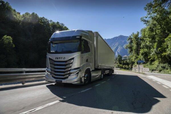 Sztuczna inteligencja w ciężarówce? Kierowca powie – S-Way posłucha
