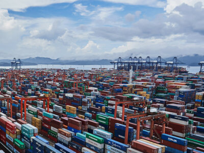 Kolejna plaga spada na łańcuchy dostaw. Jakie mogą być reperkusje nawrotu pandemii w Chinach?