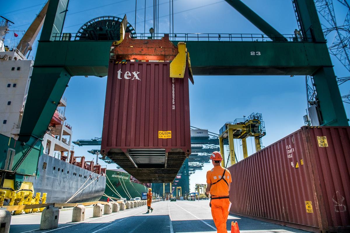 Logistica 4.0 | Portul Antwerp anunță o nouă etapă în implementarea sistemului digital de manipulare a containerelor. Acestea vor fi eliberate pe bază de amprente digitale