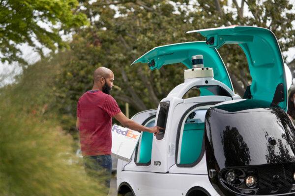 FedEx setzt auf der letzten Meile Roboterautos ein