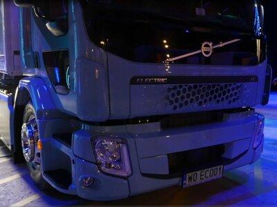 Na razie logistyka miejska, ale wkrótce także transport długodystansowy. Volvo wprowadza do Polski elektryczne ciężarówki