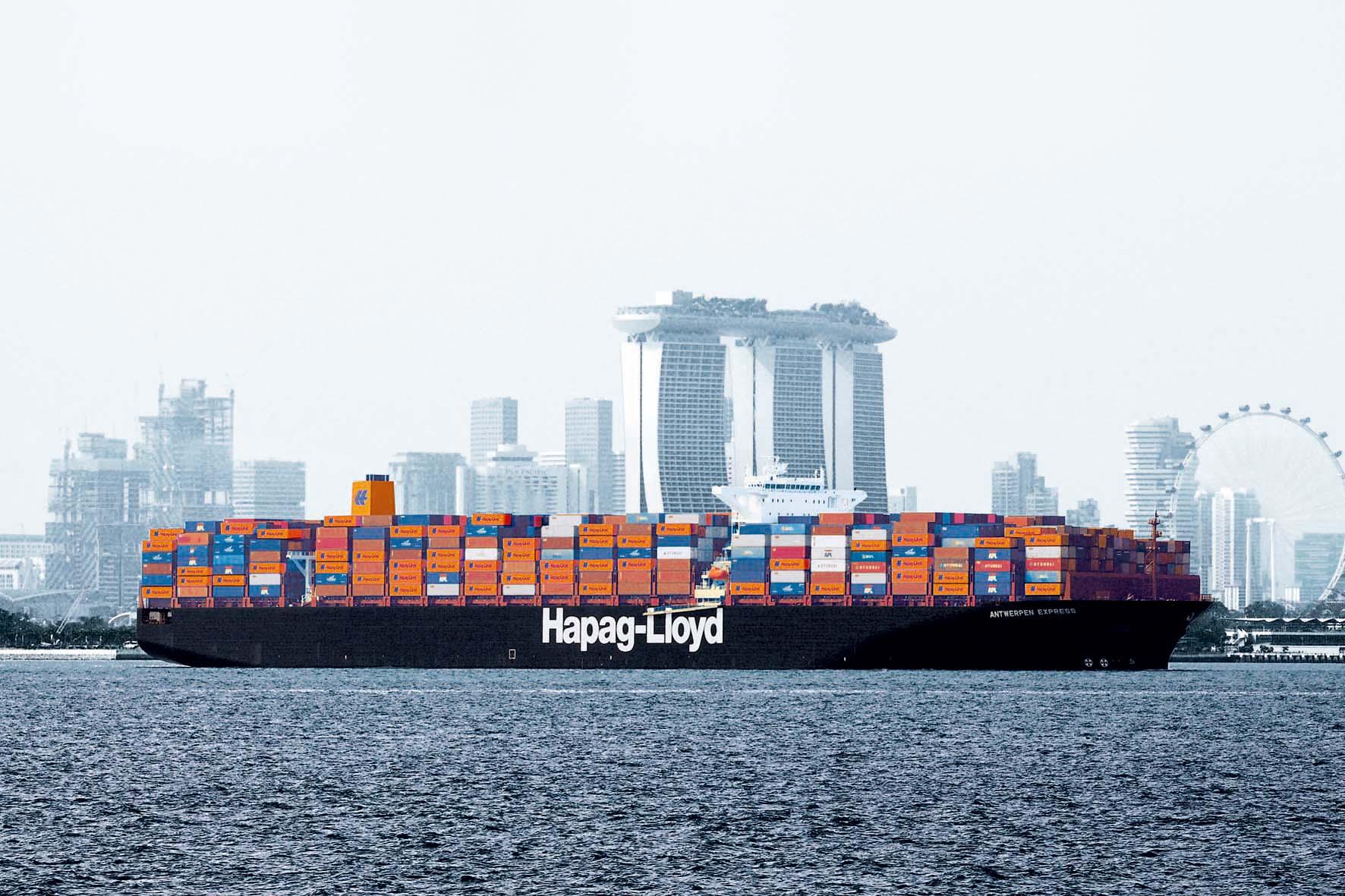 Zamówili sześć kontenerowców wielkich jak ten winny blokadzie Kanału Sueskiego