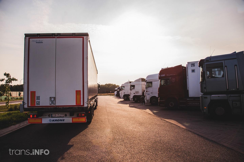 Летние запреты движения грузовиков в 2021 году. Посмотрите, где и в какие дни они будут обязывать