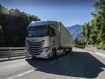 Mesterséges intelligencia egy teherautóban? A járművezető mondja – az S-Way meghallgatja