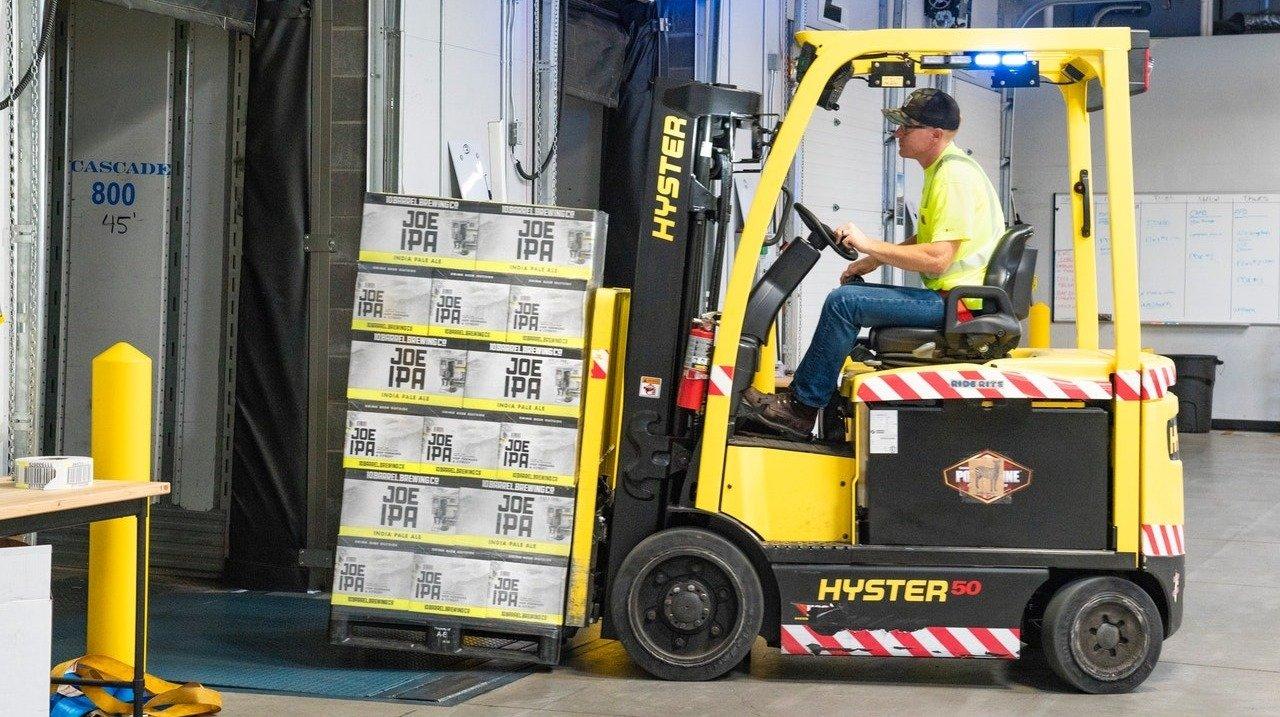 Branża logistyczna ma problem z pracownikami. Oto 10 stanowisk najtrudniejszych do obsadzenia
