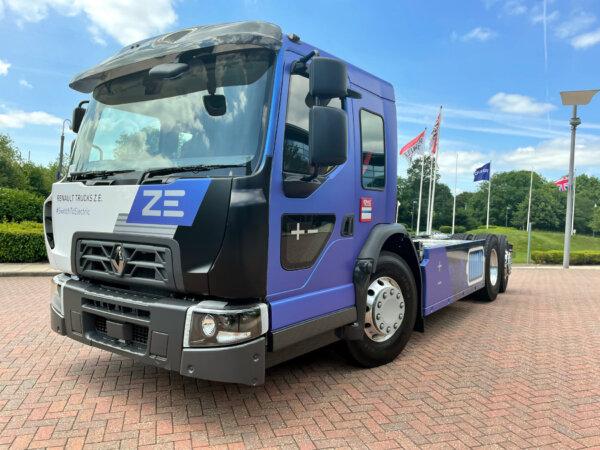 Nowy truck Renault na miejskie trasy. Nie wypuści ani grama spalin