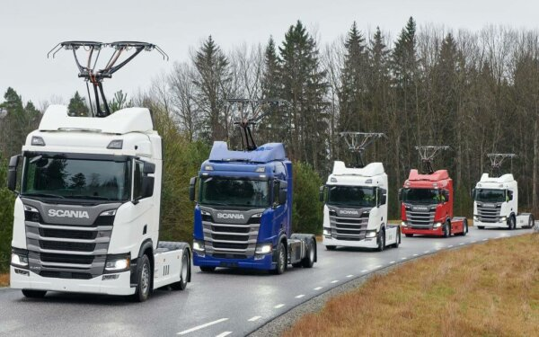 Немцы начали испытания грузовиков с пантографами на извилистых дорогах