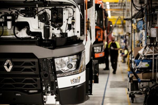 """Apsilankykite """"Renault Trucks"""" gamykloje patogiai sėdint savo namuose. Kviečiame į virtualią ekskurs"""