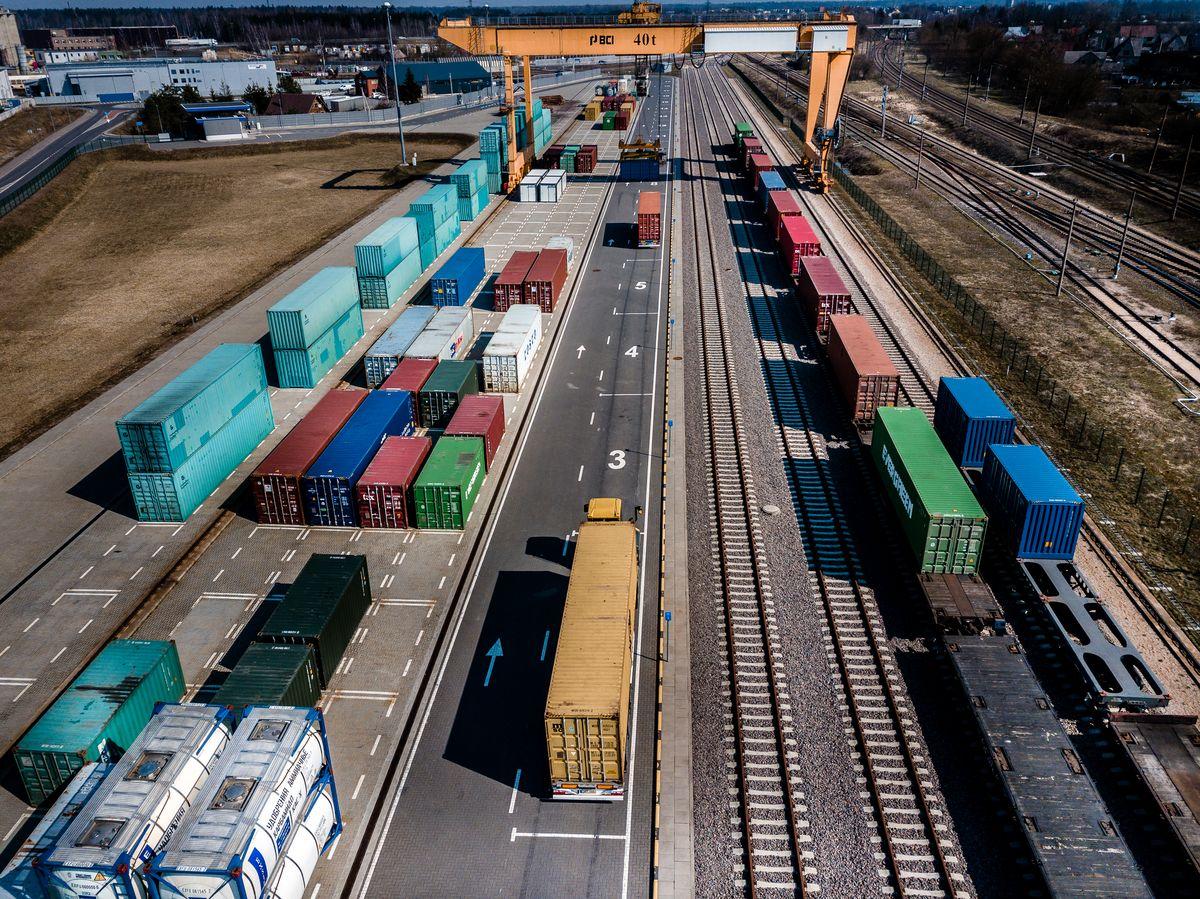 """Komerciniam eismui atidarytas Kauno intermodalinis terminalas. """"Galime dar labiau diversifikuoti krovinių vežimo kryptis"""""""
