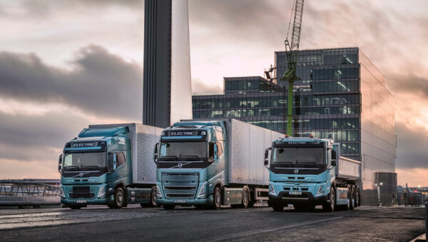 Trei mari producători de vehicule comerciale vor dezvolta împreună o rețea europeană de stații de în