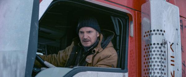 """Șoferii de camion critică dur filmul """"Drumul terorii"""" cu Liam Neeson în rol principal"""