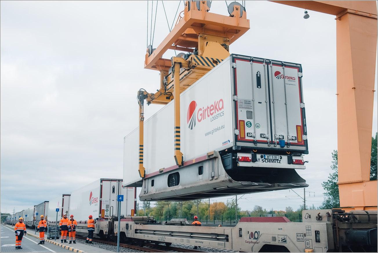 """""""Girteka Logistics"""" plečia intermodalinių pervežimų pajėgumus. Šiuo metu įmonė jau pasiekė 2020 metų tonažą"""