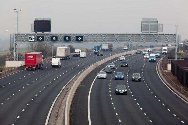 Marea Britanie mărește numărul de ore de lucru pentru șoferi, ca măsură de combatere a problemei lip
