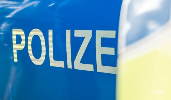 Truck driver fined for speeding after overtaking police car on the autobahn