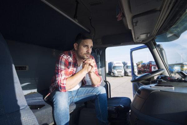 Ministerija įšaldė darbo kvotas vairuotojams, bet pasiūlymų dėl jų darbo sąlygų gerinimo nepateikia