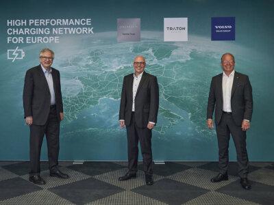 Pionierarbeit für E-Infrastruktur: Daimler Truck, TRATON GROUP und Volvo Group planen Aufbau eines europäischen Hochleistungs-Ladenetzes für schwere Lkw