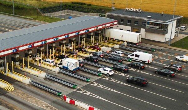Naujas kelių mokestis priklausys nuo nuvažiuoto sunkiasvorių atstumo. Ar vežėjams bus skirtos lengva