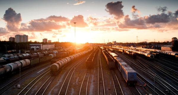 A vasúti konténerek több mint egy hétig nem mennek át Brenneren. Az utakon nagyobb lesz a forgalom