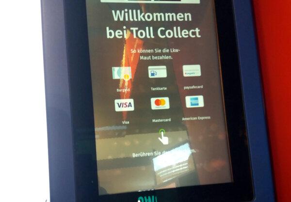 """""""Toll Collect"""" sumažino rinkliavų surinkimo terminalų skaičių. Operatorius aiškina, kodėl"""