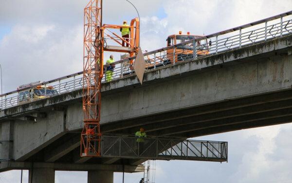 """""""Lietuvos automobilių kelių direkcija"""" pasirašė sutartys dėl 12 tiltų bei viaduko remonto darbų"""