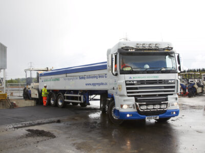 Construction firm believes non-tipping trailers could alleviate driver shortage