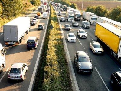 Raport BAG: Transportatorii din România, Polonia și Lituania au parcurs anul acesta mai mulți kilometri pe drumurile federale