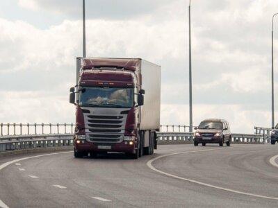 Rusija uždraudė sunkvežimiams įvažiuoti į Maskvą. Vežėjai turi kreiptis dėl specialaus leidimo
