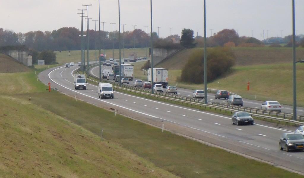 """Belgowie chcą, by kierowcami ciężarówek zostali """"nieudokumentowani"""" imigranci"""