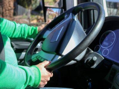 Kierowcy dostawali 300 euro miesięcznie, nie wracali do domów tygodniami. W sprawę zamieszane litews