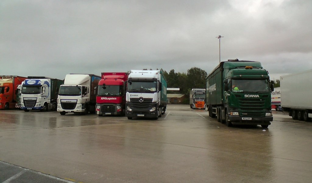 UK Government: sale of petrol & diesel trucks to be phased out by 2040